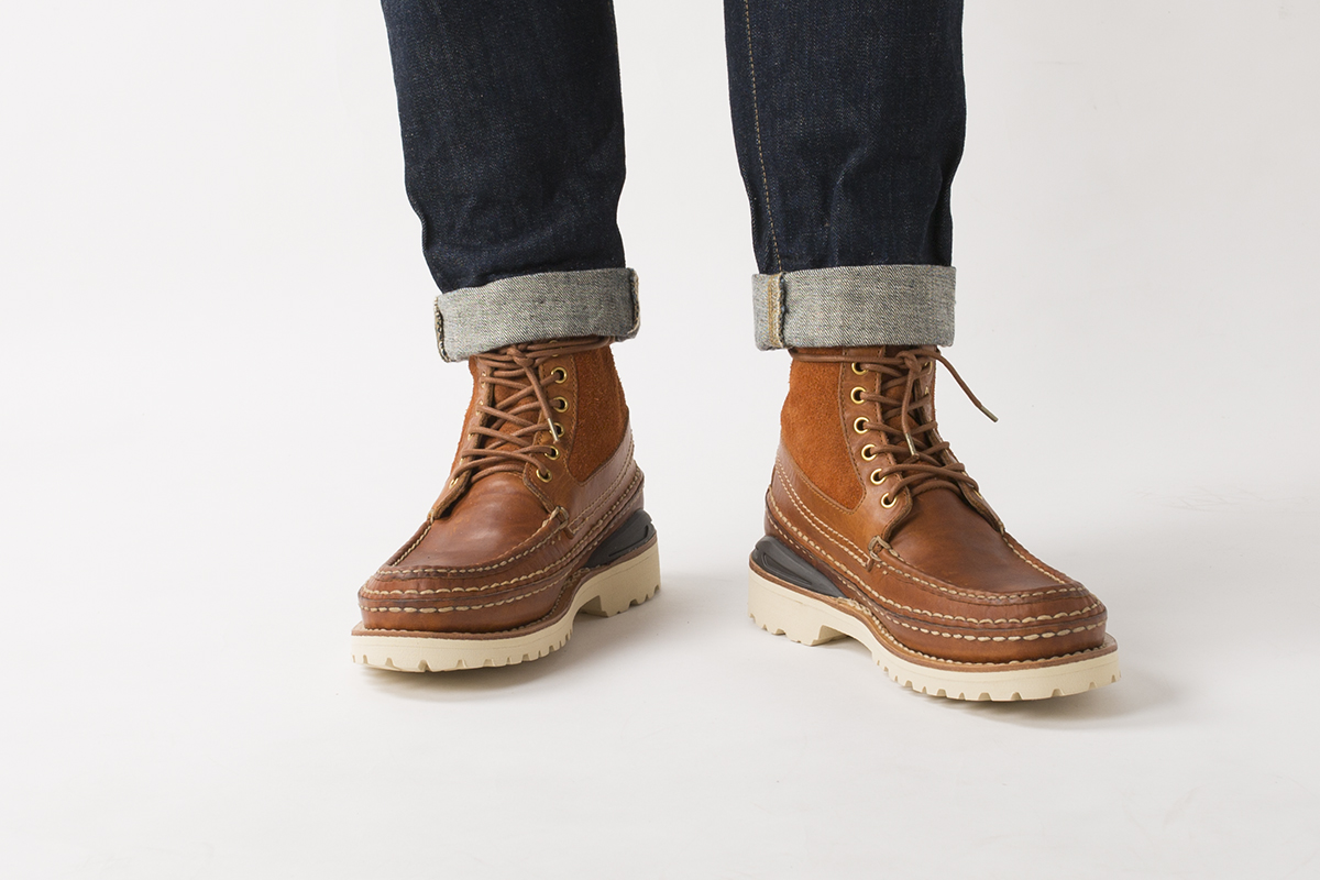 visvim-ss16-grizzly-boots-mid-folk-02