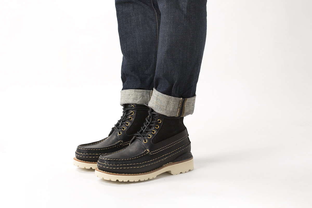visvim-ss16-grizzly-boots-mid-folk-04
