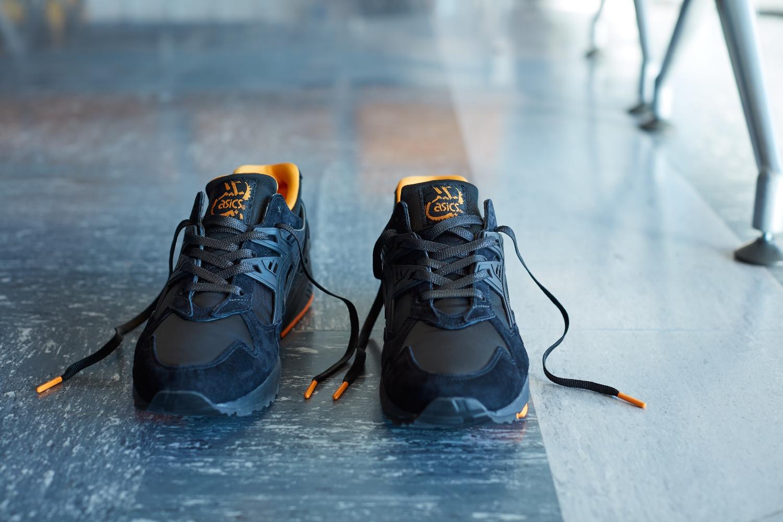 ASICS TigerXPORTER_THAT BLACK NYLON_鞋身與鞋舌一體成形的襪套結構增加包覆性。