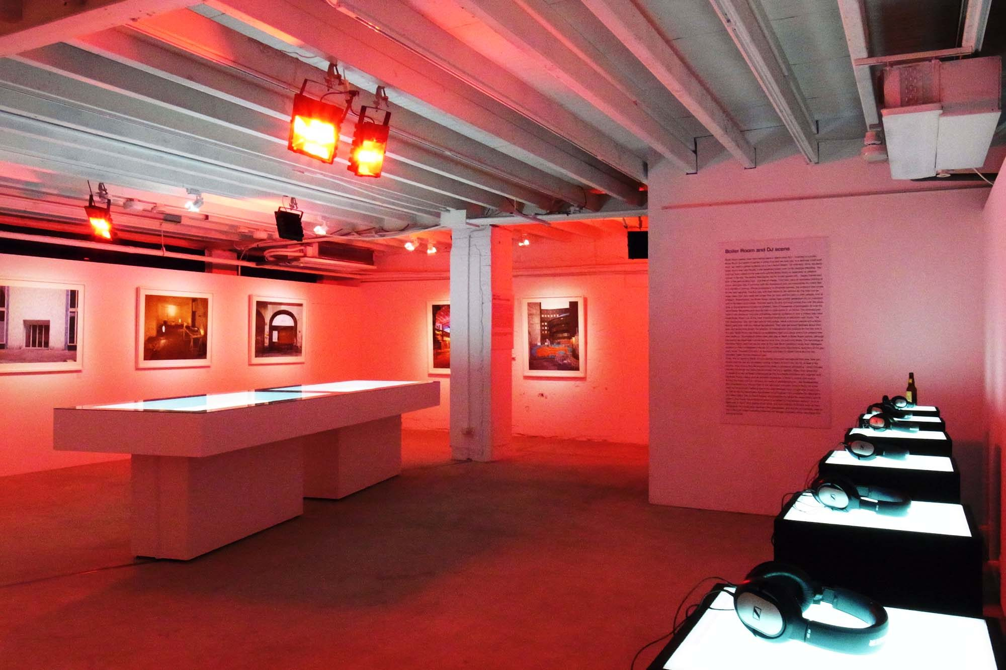 an-exhibition-of-electronic-music-and-photography-from-berlin-07