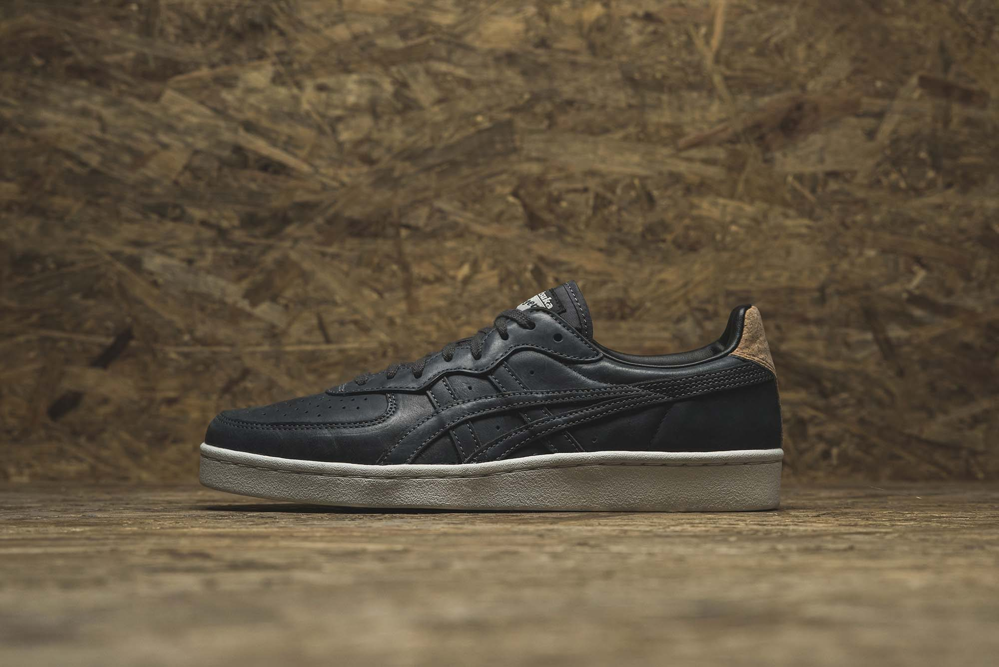 onitsuka-tiger-release-new-tiger-mhs-and-saga-series-01