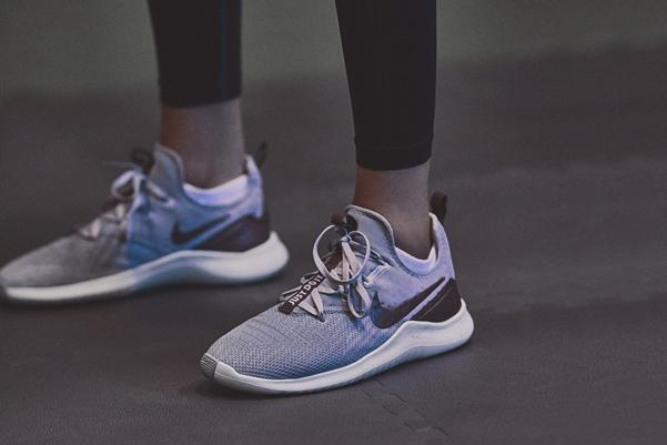 Nike-Metallic-Sheen-05