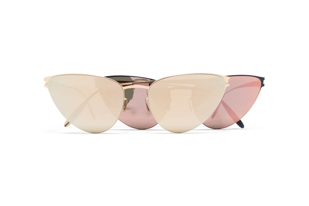mykita-bw-sun-eartha-f69-champagne-gold-champagne-gold-1507869-f65-navy-blue-rose-gold-flash-1507872-gs-2-300