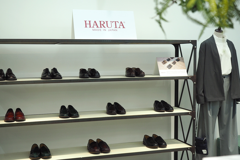 plain-me-leather-shoes-06
