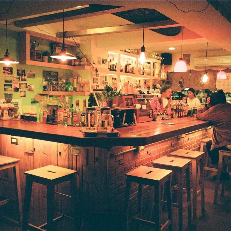 Dawn-Surf-Co-Cafe-music-playlist