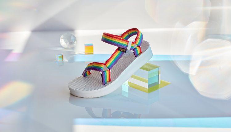 Teva-Rainbow-sandals-05